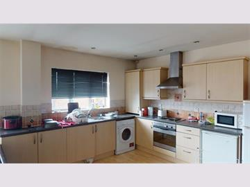 Flat 32 Royal Victoria Court