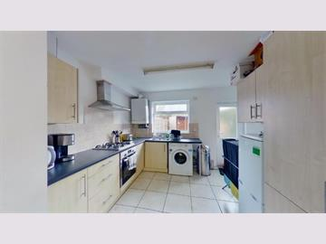 Flat 1, 15 Forest Road East, Nottingham, NG1 4HJ