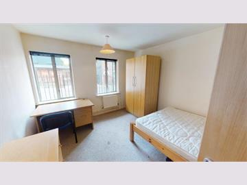 Flat 34 Royal Victoria Court