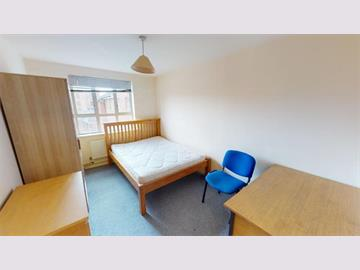 Flat 8 Royal Victoria Court